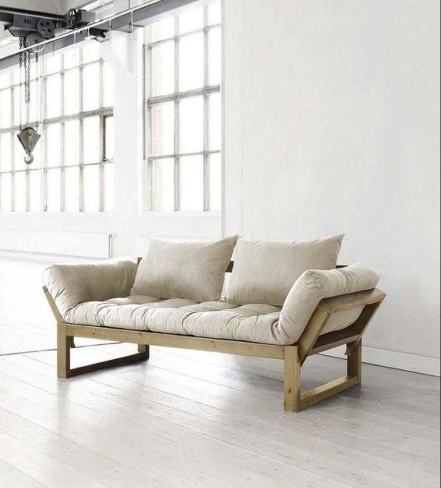 Sofás de madeira na decoração - Bella Kaza